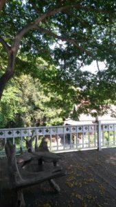 Der Balkon vor unserem Zimmer war perfekt zum Ankommen in Thailand geeignet